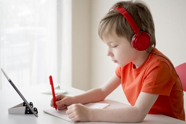 تمرکز کودکان در آموزش مجازی